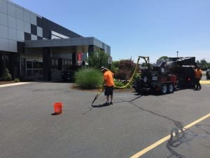 asphalt sealing and crack filling