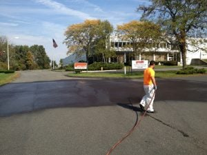 asphalt pavement sealer is asphalt sealer necessary