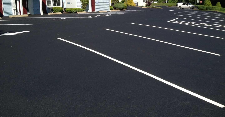 asphalt parking lot line striping